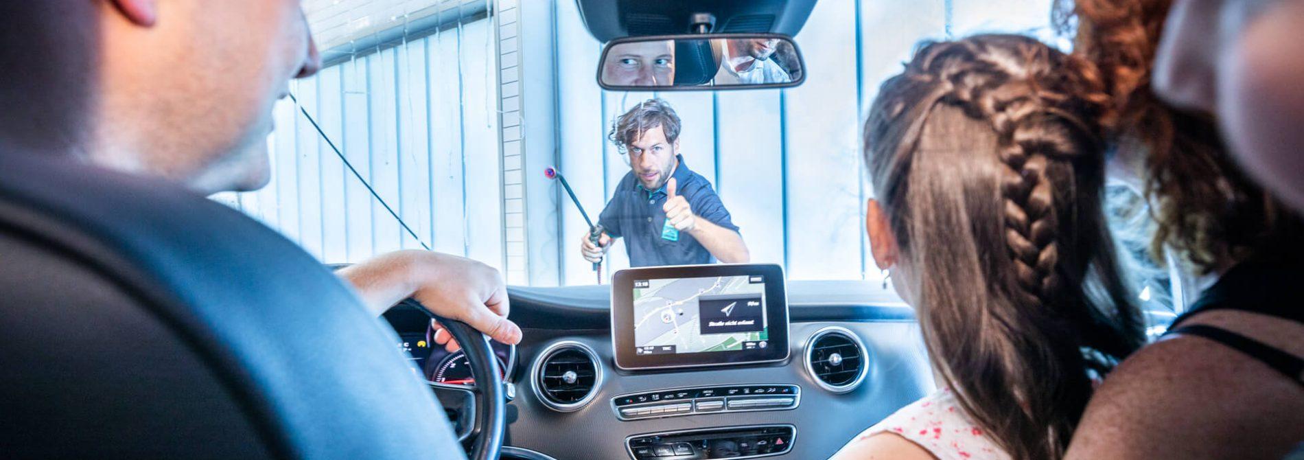 Auto sauber machen lassen bei Best Carwash Bielefeld